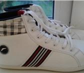 Фотография в Одежда и обувь Женская обувь Продаю кроссовки р.40-41,цвет белый в Чебоксарах 500